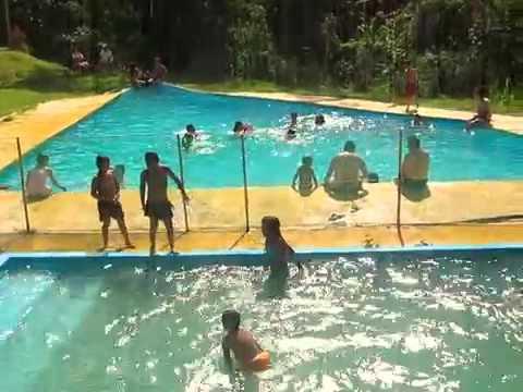 Balneario bellavista ibague piscina ca on del combeima for Canon piscina