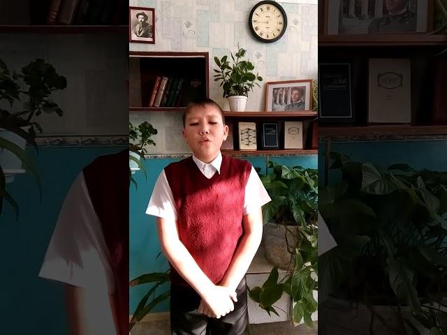 Изображение предпросмотра прочтения – РавильУтевлин читает произведение «О, как безумно за окном» А.А.Блока