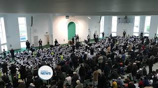 Atfal UK Travel to offer prayers behind Hazrat Mirza Masroor Ahmad (aba)