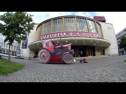 Staatsoper Berlin Traktor