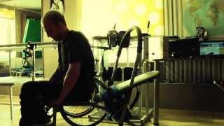 тренажер для пресса!(Тренажер, с помощью которого можно накачать пресс инвалиду-колясочнику., 2013-08-17T12:47:13.000Z)