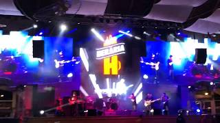 Jukebox &amp Bella Santiago Live in Beraria H Bucharest