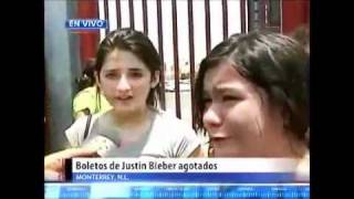 Justin Bieber fans CRYING on the Ground because Tickets Sold out too quick in MEXICO