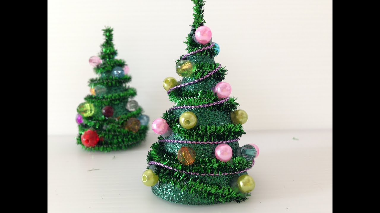 Diy mini pipe cleaner christmas tree youtube for Small christmas decorations