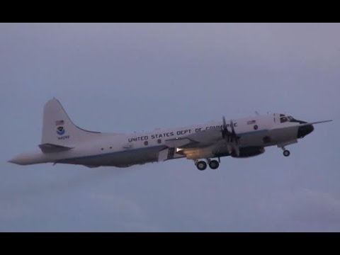 NOAA - Lockheed WP-3D Orion Taking Off