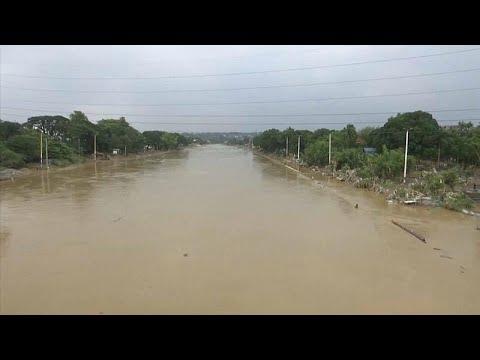 Os efeitos devastadores da passagem da tempestade tropical Yagi pelas Filipinas