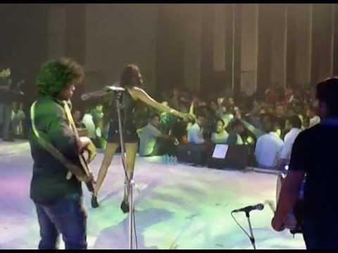 Anushka Manchanda live @ Pune