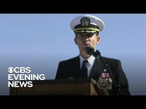 Sailors cheer for ousted aircraft carrier captain