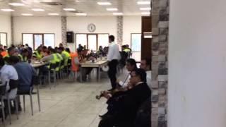 Fabrikada gırnatalı öğle yemeği