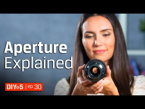 Photography for Beginners - How to get Background Blur - Aperture Tutorial 📷 DIY in 5 Ep 30