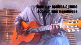 Vieux Daouda Guindo - Guitariste mandingue du Burkina-Faso