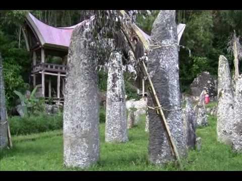 Bori' Kalimbuang  - Wisata Tana Toraja - South Sulawesi (Celebes)- Indonesia Travel Guide (Tourism)