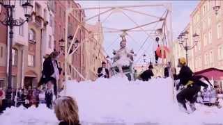 видео Новый уличный спектакль Театра «АХЕ»