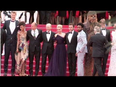 Chewbacca, Emilia Clarke, Alden Ehrenreich, Donald Glover and more on the red carpet for the Premier