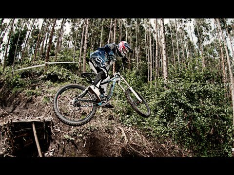 Downhill Mountain Biking in Colombia - Marcelo Gutiérrez 2013