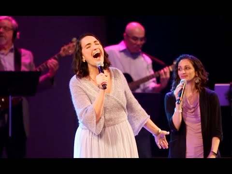 Singer overcomes surgery, sings again for the first time on Easter Sunday