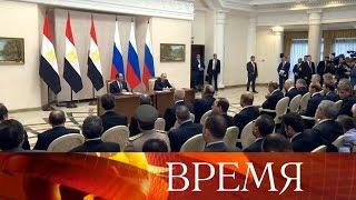 Владимир Путин одним из первых выразил соболезнования родным и близким погибших в Керчи.
