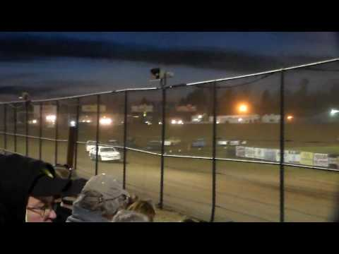 Stock Car Heat 2 @ Marshalltown Speedway 04/07/17