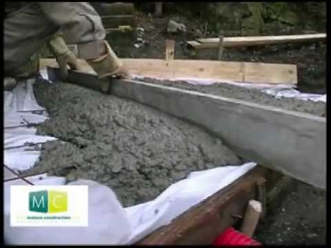Faire dalle b ton make a concrete slab youtube for Bordure ciment pour jardin