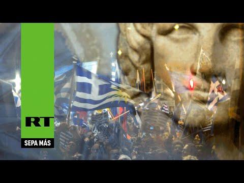 Manifestación multitudinaria a favor del gobierno griego en la plaza Síntagma