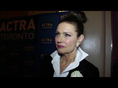 Chat w Actress Wendy Crewson at the 16th Annual ACTRA Awards in Toronto.