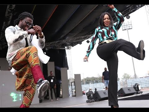 Agege Guy Challenges Toyin Abraham to Zanku Leg work Dance competition at Small Doctor's Concert