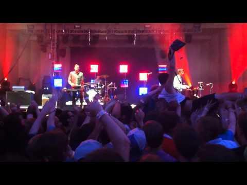 Cut Copy Hearts on Fire Lollapalooza 2010 (Live)