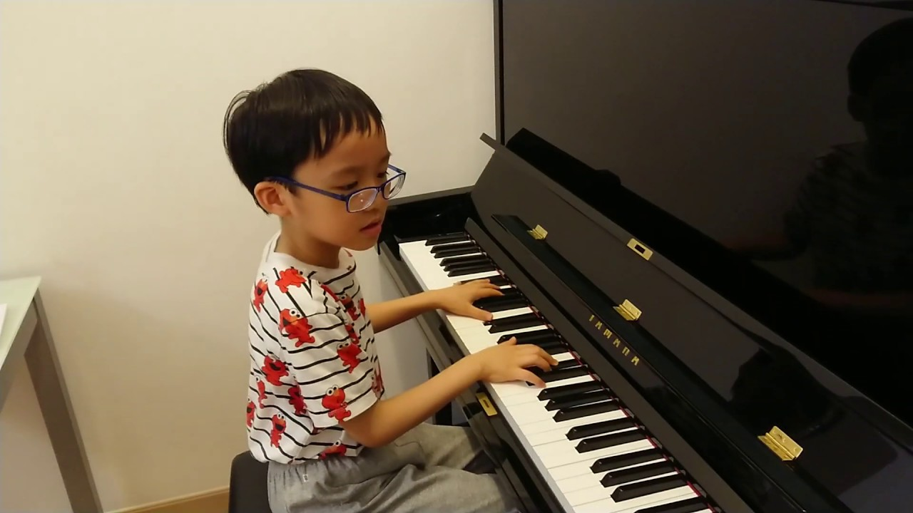 Moonlight Sonata Op.27 No.2 (Movement 1) of Beethoven (貝多芬 月光奏鳴曲 第一樂章), by Jonah Ho (age 7) - YouTube