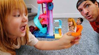 ADLEY and DAD SHRiNK!!  a Magic Locket makes us tiny! HELP can Polly Pocket help us grow big again!