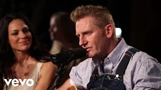Joey+Rory - My Life Is Based On A True Story (Live)