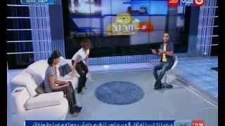 شاهد.. خالد عليش يمارس 'اليوجا' على الهواء