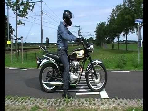 Kawasaki W650 Thunderbolt Exhaust.avi