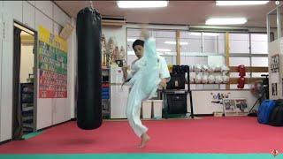 吉田富和支部長がフルコンタクト空手独特の蹴り技である内廻し蹴りの基...
