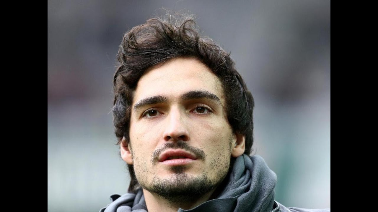 Mats Hummels mercials Advertisement