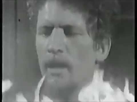 Luke Kelly - The Foggy Dew (lyrics on screen)