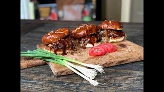 GrillVIP: Aussie Grassfed Pub Burgers by Melissa Cookston