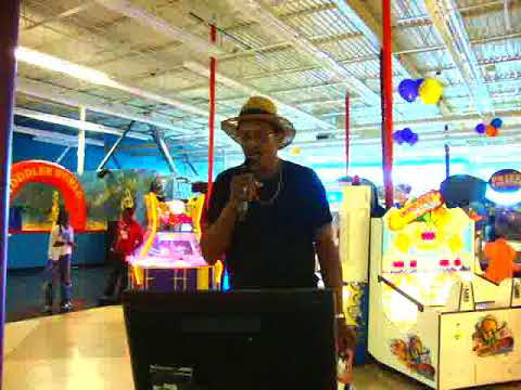 Butch Grant - Karaoke Fun @ LOL Stations