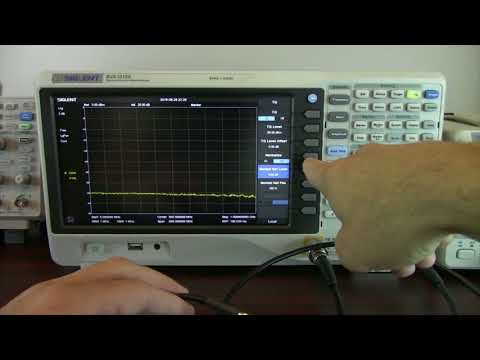 Siglent Spectrum Analyzer with Tracking Generator Performing Amplifier Gain Verification