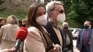 Gloria Camila y Ortega Cano responden, con la más absoluta indiferencia, a Kiko Jiménez