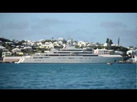 'World's biggest private yacht' in Bermuda