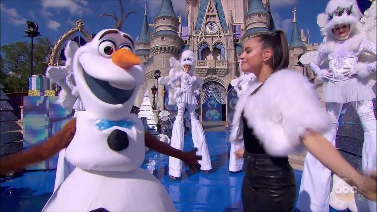 Download Sofia Carson -  Chillin' Like A Snowman