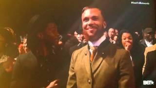 Erykah Badu kill Iggy on BET Awards Show