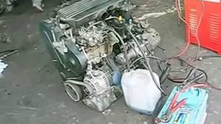 Démarrage moteur Diesel  avec explication en francais    هذا المحرك