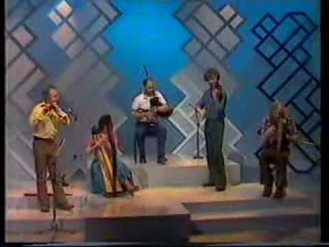 "Traditional Scottish music : 3 jigs - ""The Whistlebinkies"""