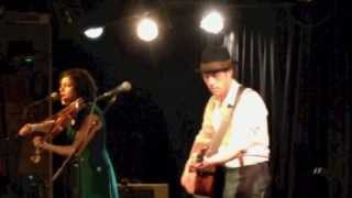 Carrie Rodriguez - Never Gonna Be Your Bride (Live)