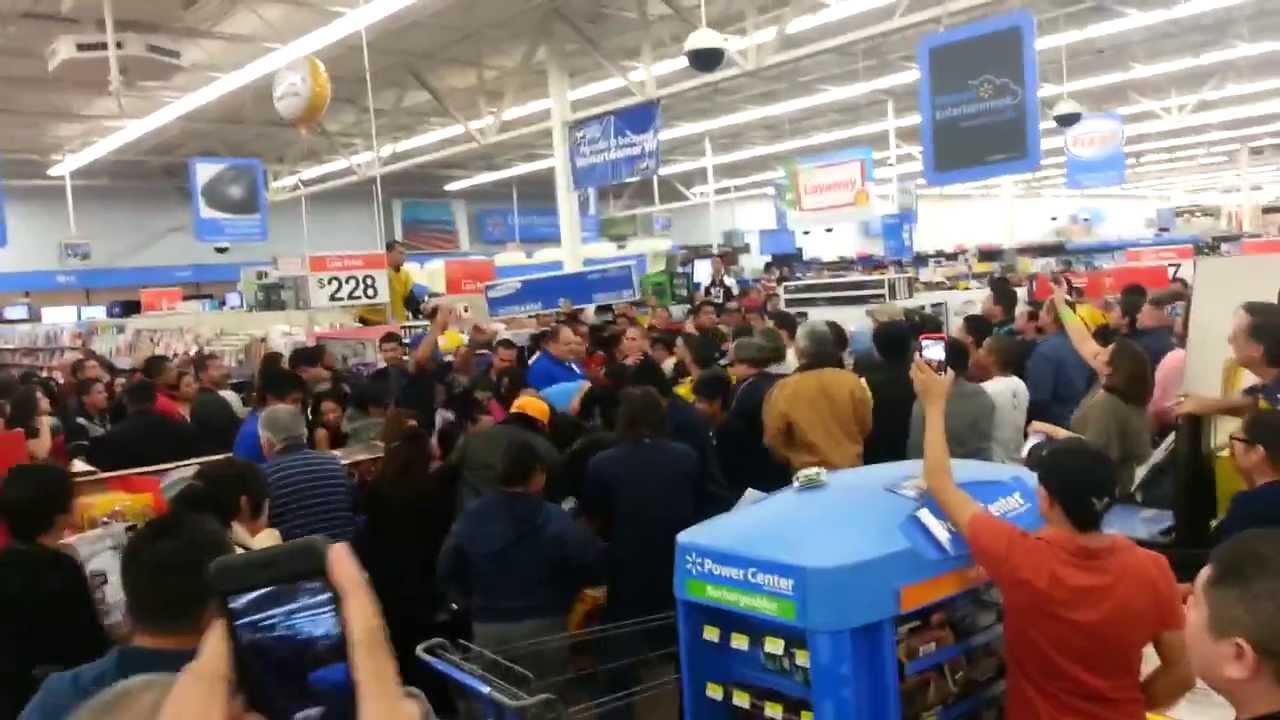 Walmart Black Friday fight 2014 - YouTube