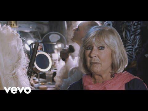 Free download lagu Mp3 Willeke Alberti - Overdag Karel (Official Video) - ZingLagu.Com
