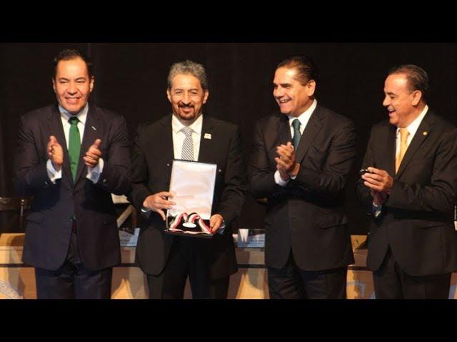 Entregan Presea Suprema Junta Nacional Americana a la UMSNH en Zitácuaro