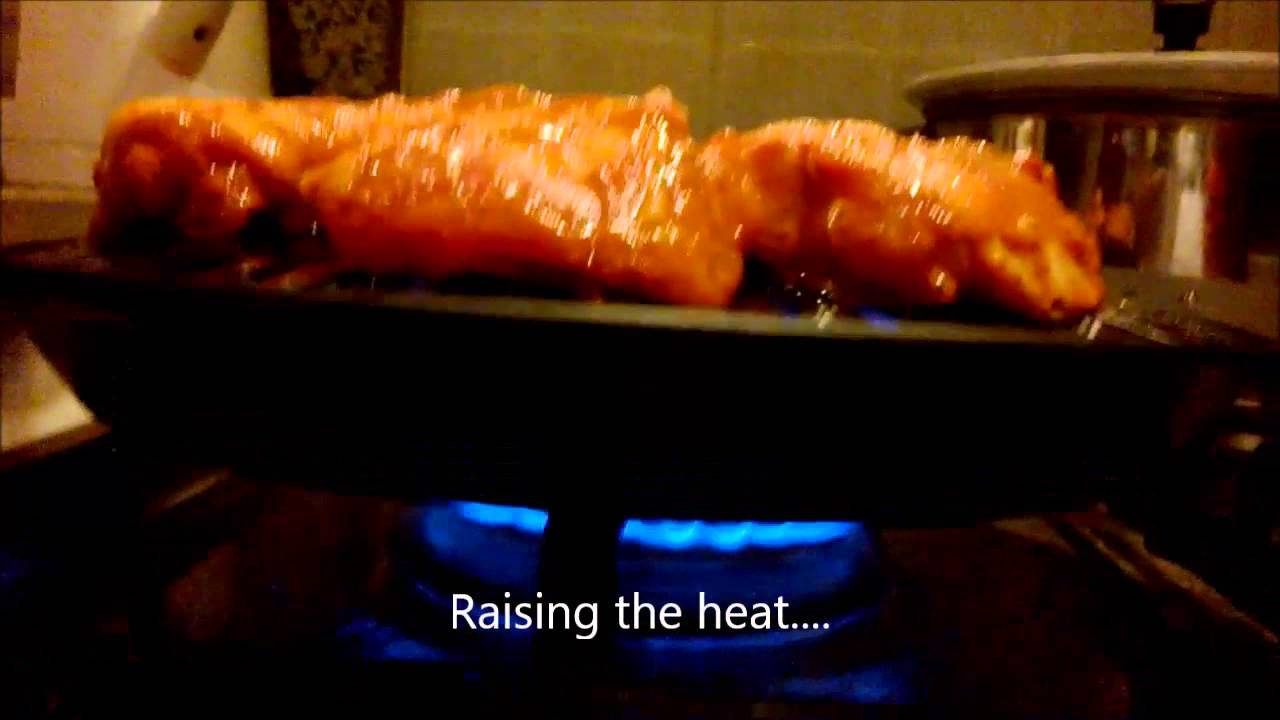 Indoor smokeless stovetop grill - Grilling chicken - YouTube