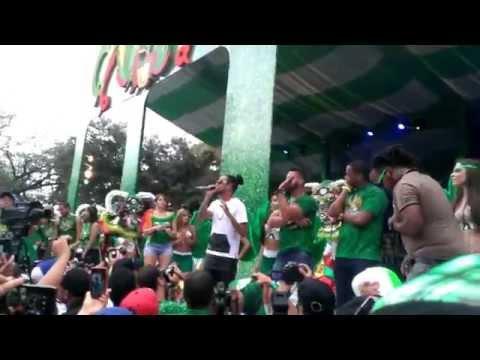Mozart la para improvisando, carnaval vegano 2015